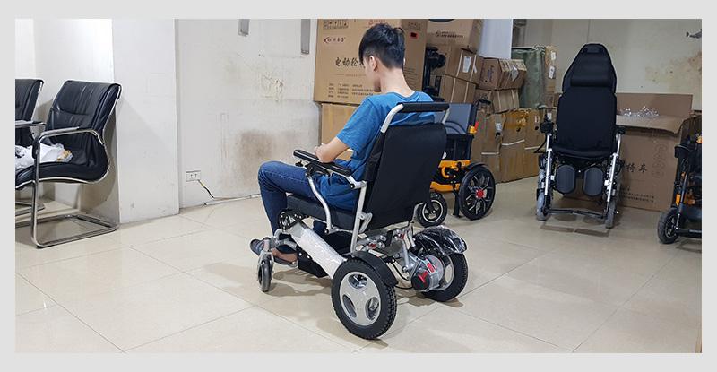 Xe lăn điện đa dụng thiết kế hiện đại TM011 2