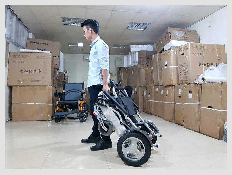 Xe lăn điện đa dụng thiết kế hiện đại TM011 6