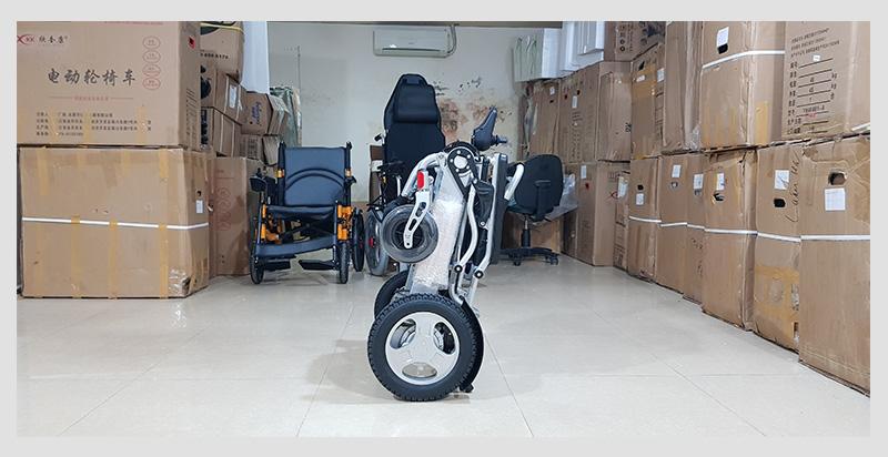 Xe lăn điện đa dụng thiết kế hiện đại TM011 7