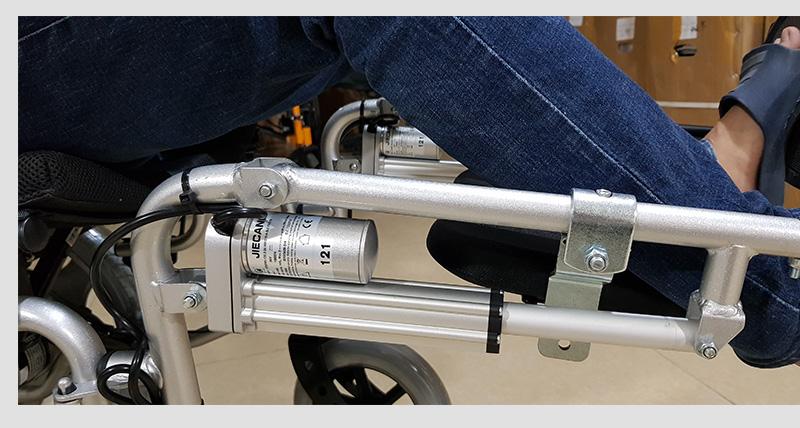 Xe lăn điện tự động thế hệ mới ngả nằm (Vành đúc) TM036D 5
