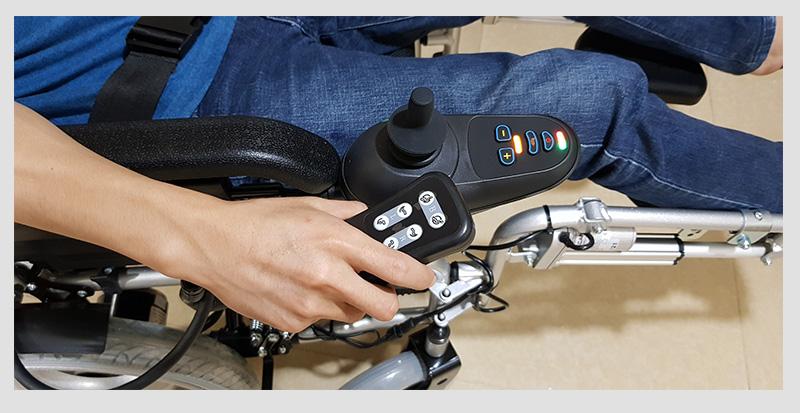 Xe lăn điện tự động thế hệ mới ngả nằm (Vành đúc) TM036D 6