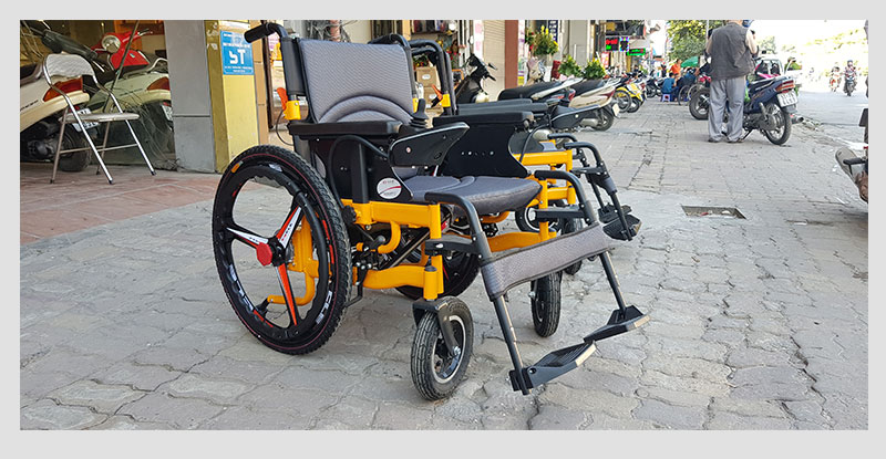Xe lăn điện thông minh chống lật ngược dành cho người khuyết tật TM057 3