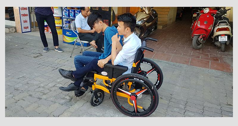 Xe lăn điện thông minh chống lật ngược dành cho người khuyết tật TM057 7
