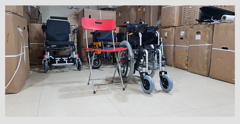 Xe điện 4 bánh TM005 hỗ trợ người già chân yếu di chuyển 7