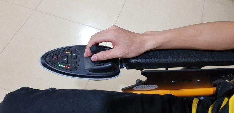 Xe lăn điện đa năng có thể nằm được và gấp được phong cách hiện đại TM083 5