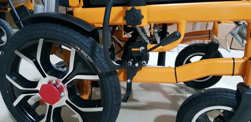 Xe lăn điện đa năng có thể nằm được và gấp được phong cách hiện đại TM083 7