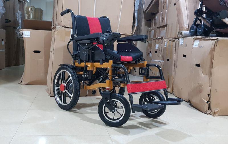 Xe lăn điện cao cấp nâng tay vịn, đa chức năng TM111 4