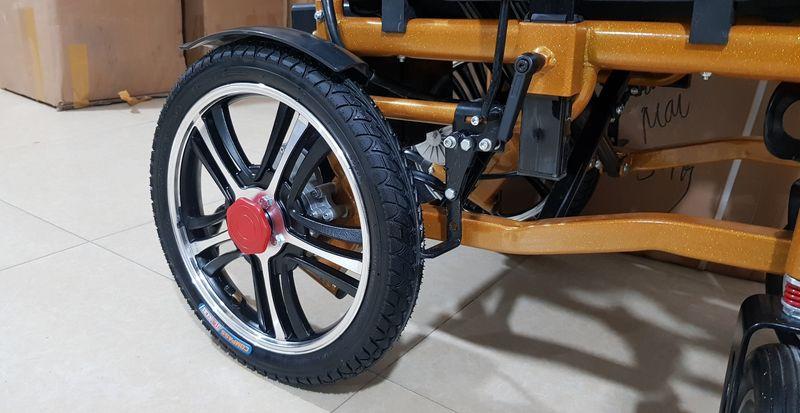 Xe lăn điện cao cấp nâng tay vịn, đa chức năng TM111 6